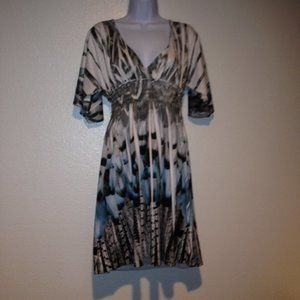 Mi Manchi Plunge Neck Fitted Floral Tunic Dress